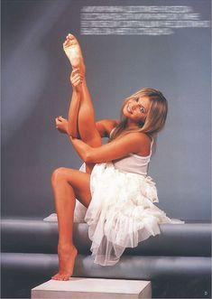 Соблазнительная Алина Кабаева на обложке FHM фото #2
