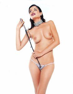 Голые сиськи Анны Азаровой в журнале Playboy фото #7