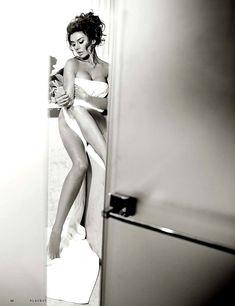 Анна Седокова в сексуальном белье для журнала Playboy фото #6