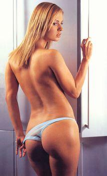 Аппетитное тело Анны Семенович в журнале FHM фото #2
