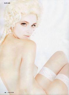 Анна Снаткина показала голые сиськи в журнале «Караван историй» фото #3