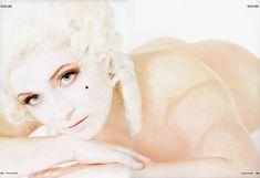 Анна Снаткина показала голые сиськи в журнале «Караван историй» фото #10