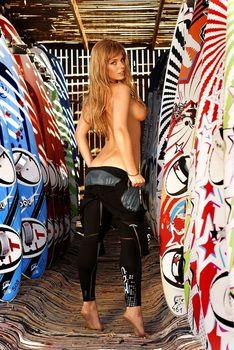 Анна Старшенбаум показала голые сиськи в журнале «Максим» фото #7