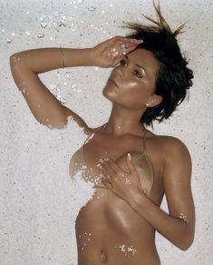 Эротичная Виктории Бекхэм в фотосессии James Dimmock фото #1