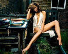 Торчащие соски Виктории Бекхэм в фотосессии Marc Hom фото #3