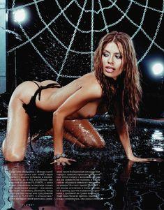 Голые сиськи Виктории Бони в журнале Playboy фото #2