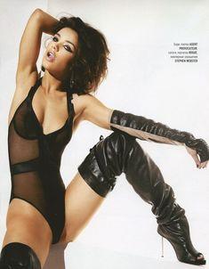 Виктория Дайнеко в эротическом белье для Playboy фото #5