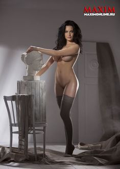 Даша Астафьева снялась голой в журнале Maxim фото #3