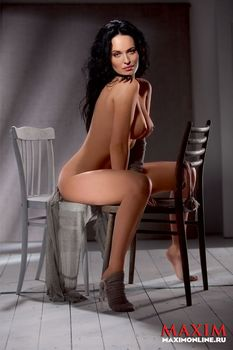 Даша Астафьева снялась голой в журнале Maxim фото #4