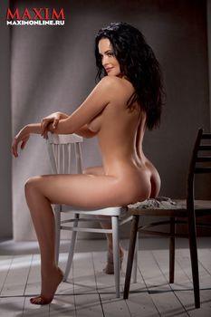 Даша Астафьева снялась голой в журнале Maxim фото #5