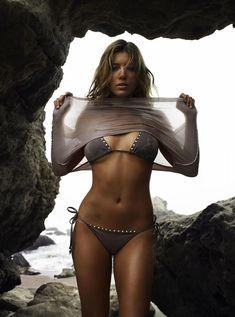 Секси Джессика Бил в журнале GQ фото #9