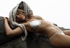 Секси Джессика Бил в журнале GQ фото #10