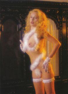 Голые сиськи Елены Кондулайнен в журнале Penthouse фото #4