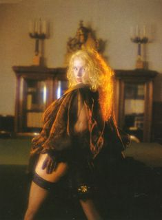 Голые сиськи Елены Кондулайнен в журнале Penthouse фото #5
