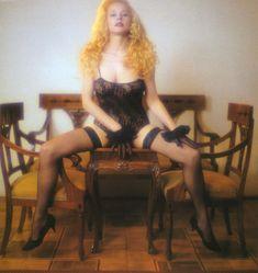 Голые сиськи Елены Кондулайнен в журнале Penthouse фото #6
