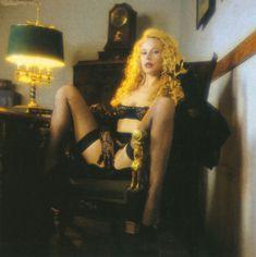 Голые сиськи Елены Кондулайнен в журнале Penthouse фото #7