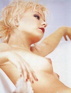 Елена Перова показала сиськи в журнале Playboy фото #2