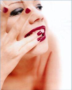 Елена Перова показала сиськи в журнале Playboy фото #9