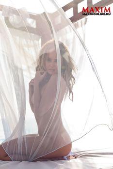Голая попка Жанны Фриске в журнале «Максим» фото #8