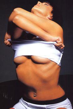 Жанна Фриске разделась в журнале «Пингвин» фото #2
