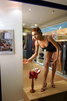 Горячая Ирена Понарошку для рекламы нижнего белья фото #2