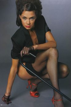 Ирина Чащина в эротическом белье для журнала FHM фото #3