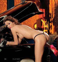 Голые сиськи Леры Кондры в журнале Playboy фото #5