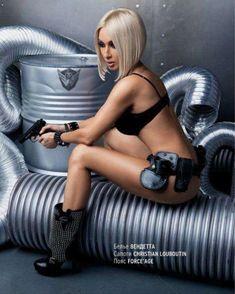 Лера Кудрявцева засветила сосок в журнале Playboy фото #3