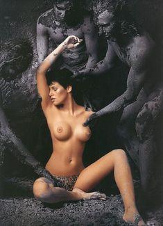 Мария Сёмкина топлесс фото #1