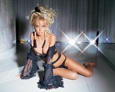 Сочная грудь Маши Малиновской в журнале «Максим» фото #4