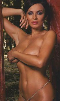 Сочная грудь Надежды Грановской в журнале Maxim фото #3
