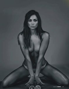 Обнаженное тело Настасьи Самбурской в журнале Maxim фото #2