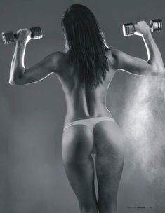 Обнаженное тело Настасьи Самбурской в журнале Maxim фото #3