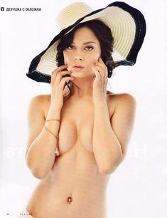 Обнаженная Настасья Самбурская в журнале Playboy фото #2