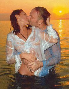 Наталья Подольская засветила соски в журнале «Семь дней» фото #1