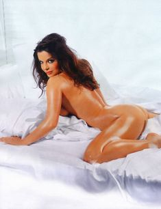 Голая грудь Наташи Королёвой в журнале Maxim фото #2