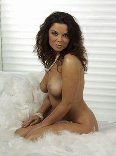 Голая грудь Наташи Королёвой в журнале Maxim фото #7