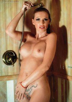 Полностью голая Ольга Родионова в журнале Playboy фото #2