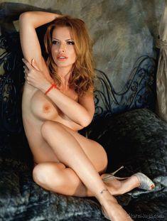 Полностью голая Ольга Родионова в журнале Playboy фото #10