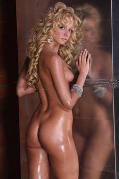 Обнаженная Полина Максимова в журнале Playboy фото #5