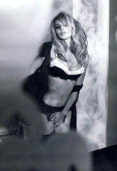 Светлана Лобода в эротической фотосессии для журнала XXL фото #13