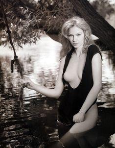 Голые сиськи Светланы Ходченковой в журнале Playboy фото #4