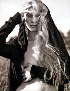 Голые сиськи Светланы Ходченковой в журнале Playboy фото #5