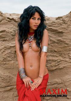 Секси Юлия Беретта в журнале Maxim фото #5
