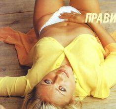 Сиськи Юлии Началовой в журнале «Пингвин» фото #6
