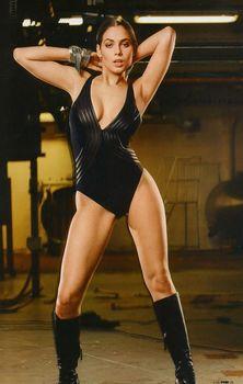 Юлия Снигирь в нижнем белье для журнала FHM фото #3
