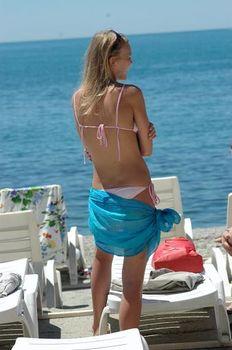 Елена Великанова в бикини на съёмках сериала «Река-море» фото #5