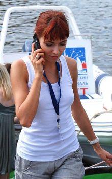 Ирена Понарошку без лифчика на фестивале фото #1
