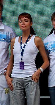 Ирена Понарошку без лифчика на фестивале фото #3