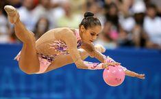Красотка Ирина Чащина демонстрирует супер растяжку на чемпионатах фото #3